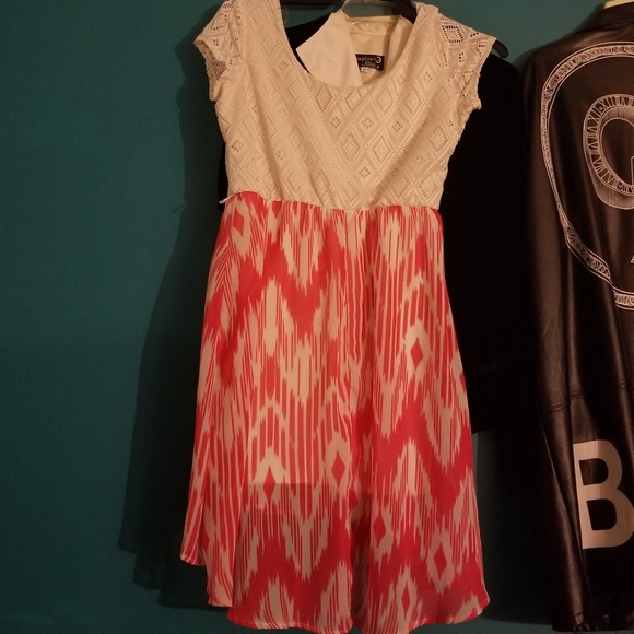 Dresses & Skirts - Pink&White Summer/Spring Dress